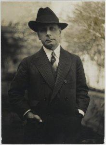 Photograph of Albert Benderby Consuelo Kanaga, 1929(Mills College Art Museum)